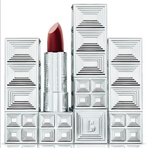 Belle En Argent Smoking on Screen Lipstick